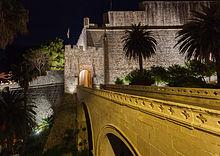 Casco_viejo_de_Dubrovnik,_Croacia,_2014-04-13,_DD_01