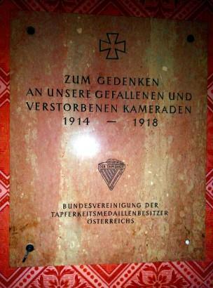 Placa 1ª G.M iglesia Votiva