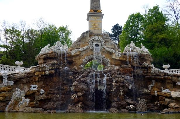 Cascada obeliscoSchönbrunn