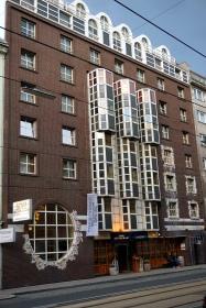 Fachada Hotel Enziana Viena