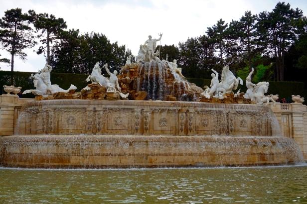 fuente neptuno Schönbrunn
