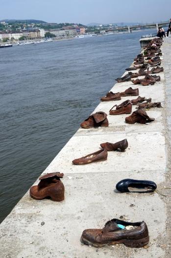 Monumentos zapatos Danubio