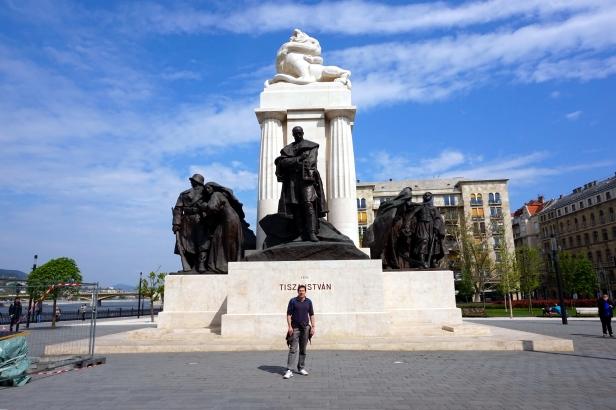 estatua Istvan Tizsa