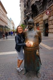 Policía gordo de Budapest