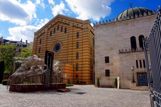 Memorial Holocausto Sinagoga Budapest.jpeg