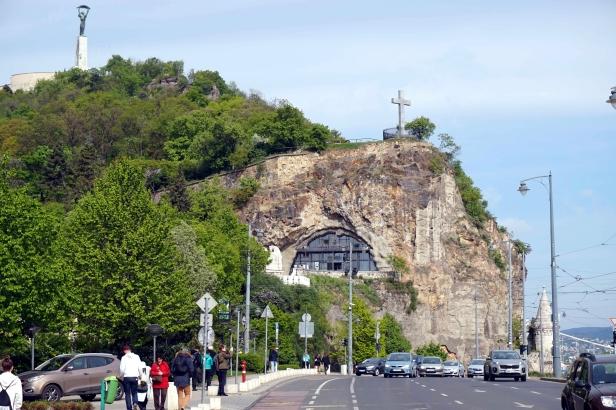 Fachada iglesia de la roca