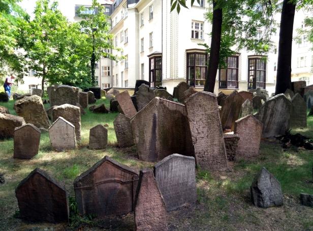 cementerio judío Praga.jpg