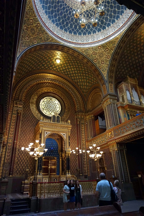 dentro de sinagoga española