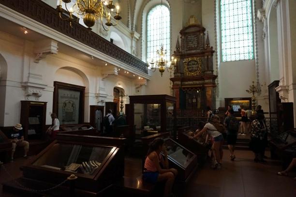 interior sinagoga klausen