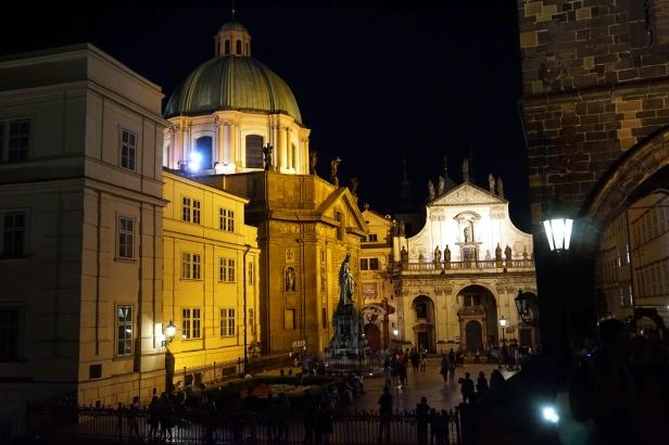 Clementinum e Iglesia S.Salvador nocturna