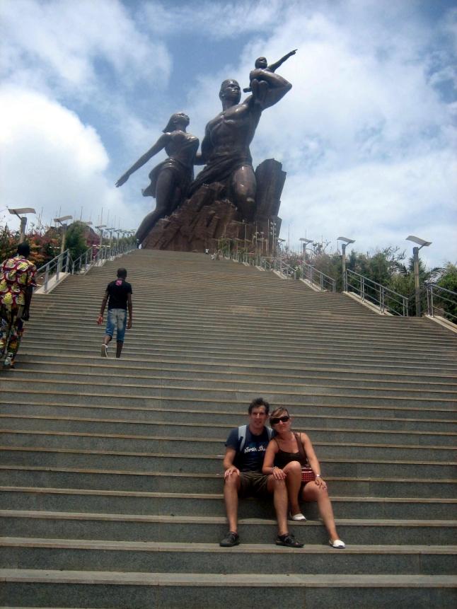 monumento renacimiento africano